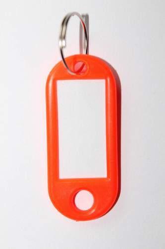 25. Kľúčenka s príveskom - oranžová