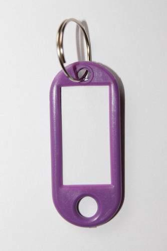 24. Kľúčenka s príveskom - fialová