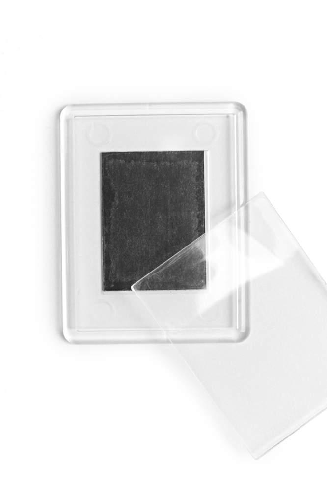 10. Akrylová magnetka na chladničku - (5,3 x 4,3 cm)